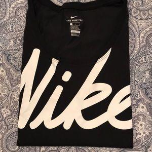Black nike scoop neck short sleeve